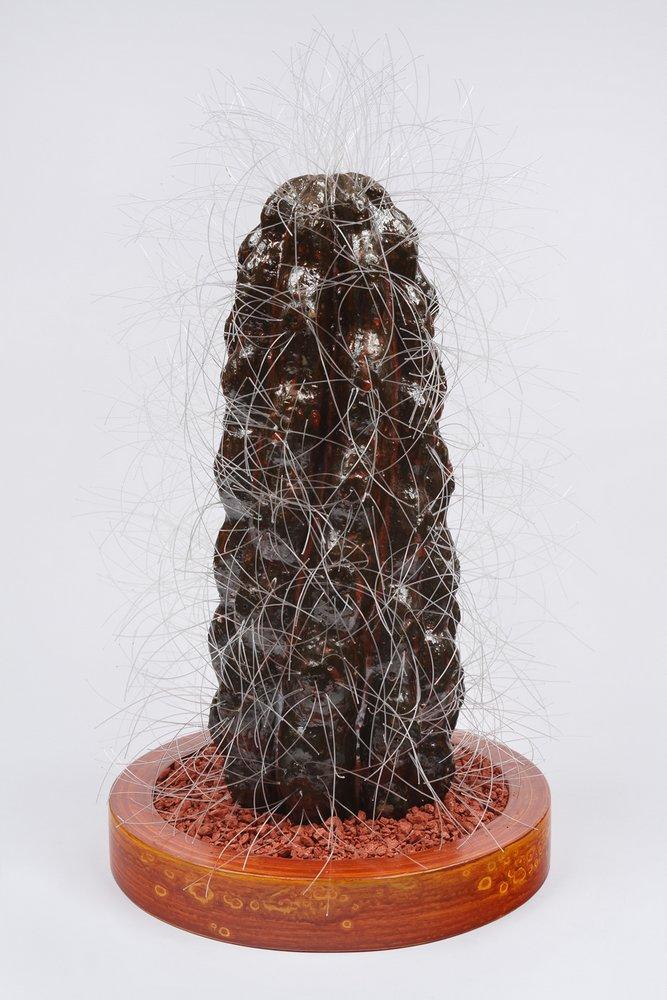 Cactus 13. 33 cm x 20 cm 20 x cm. Cerámica ase de madera, ceniza volcánica teñida con oxidos de hierro y de manganeso.